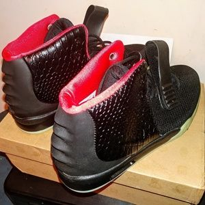 Nike Air Yeezy 2 Solar Red Size 12 Men's, Read!